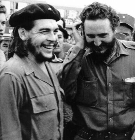 Che e Fidel são ícones de esperança e luta pela liberdade e justiça social, mesmo com toda campanha midiática para negá-los e diminuí-los em seus papéis históricos, sobrevivem altivos no inconsciente popular